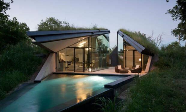 Люди смеялись над ценой дома с крышей из земли и травы, но потом попали внутрь и смех прекратился
