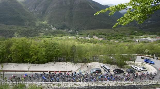 Бельгийский велогонщик был сбит автомобилем во время «Джиро д'Италия»
