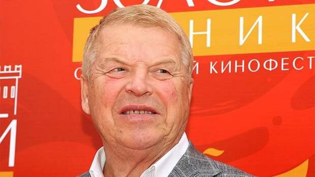 Скончался актер Михаил Кокшенов