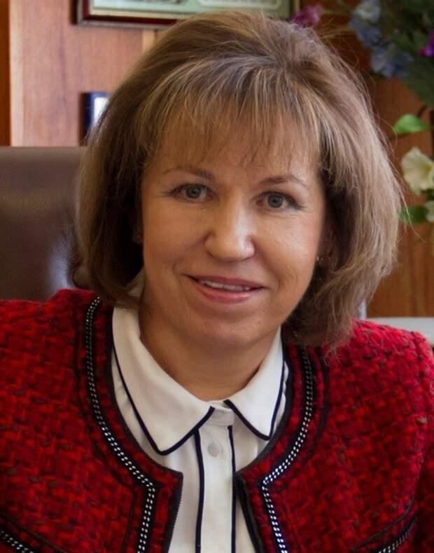 Людмила Скаковская: Под защитой вакцины безопаснее ездить в командировки и принимать зарубежных гостей