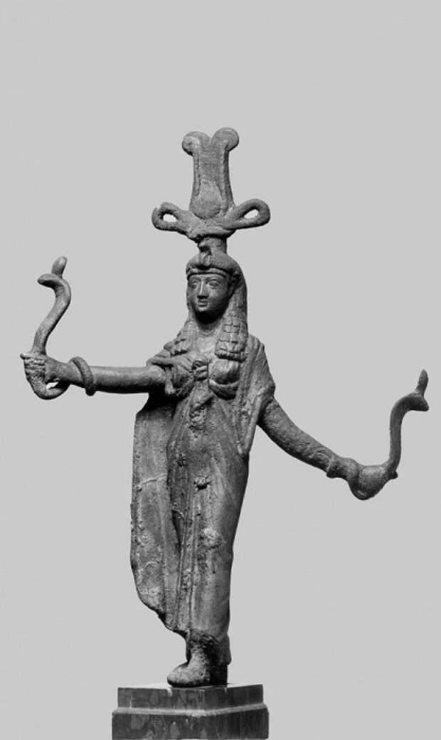 Древнеегипетская богиня Исида.