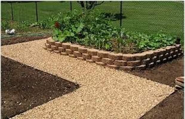 Устанавливаем садовые дорожки