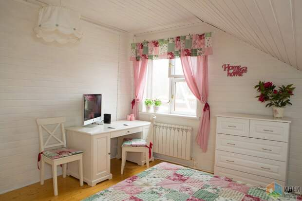 Спальня в стиле прованс в загородном доме