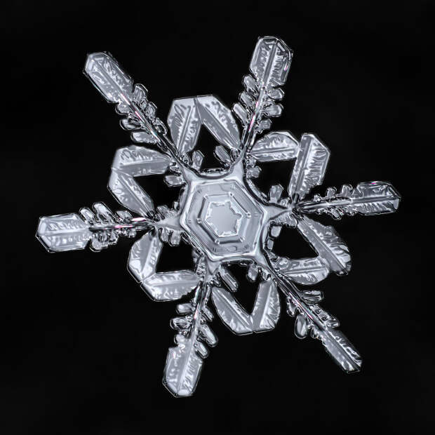 Чарующая красота снежинок в макрофотографиях