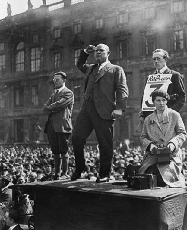 Сталин — палач своих, а Гитлер — палач чужих?