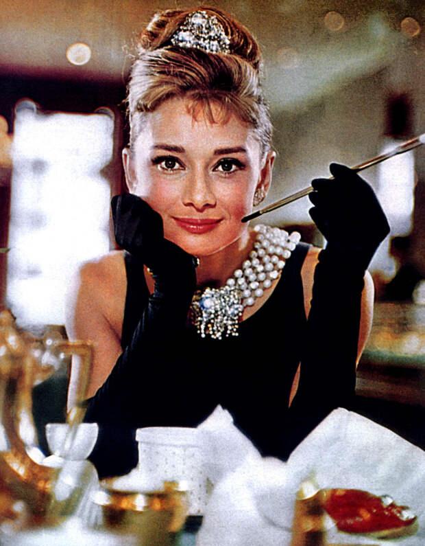 Бьюти-секреты Мэрилин Монро и Одри Хепберн: в Нью-Йорке откроется Музей макияжа