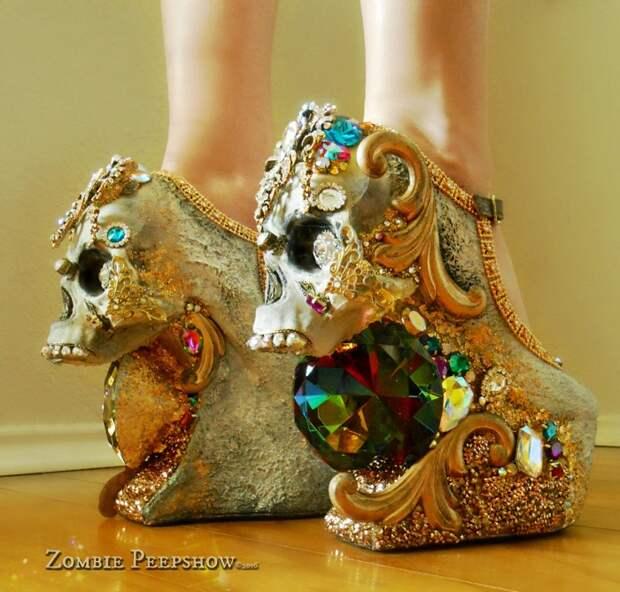 Обувь Zombie Pipshow отличный выбор для празднования Хэллоуина