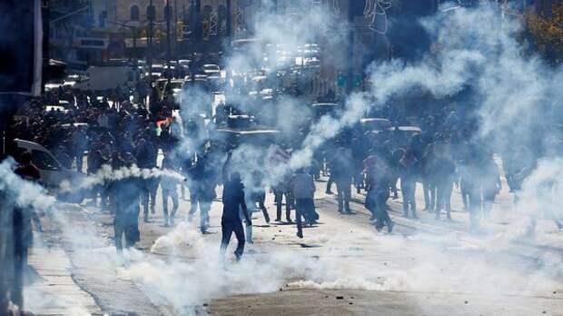 ВИерусалиме полиции пришлось останавливать уличные беспорядки
