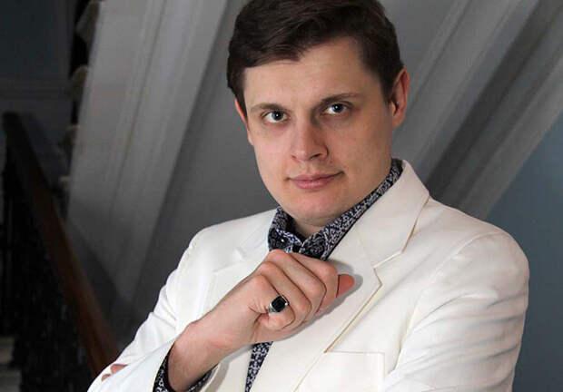 """Понасенков в гневе: Вы - """"чернь"""" из """"рашки"""", а я талантливый и весь в белом"""