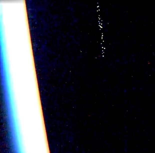 """В небе началось какое-то невероятное нашествие """"марсиан"""""""