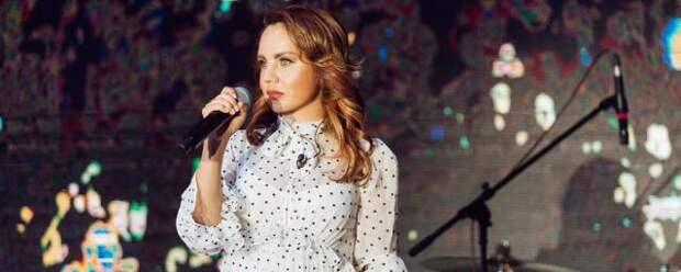 Певицу МакSим госпитализировали с поражением легких