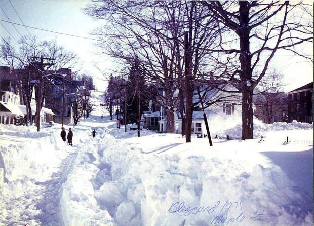 Улица Вунсокета, штат Род-Айленд. <br>