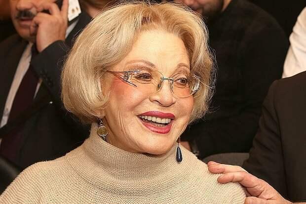 80-летняя Людмила Максакова выходит замуж за известного актера