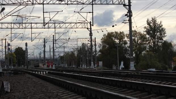 Lexus вылетел с моста и попал на видео в Нижегородской области