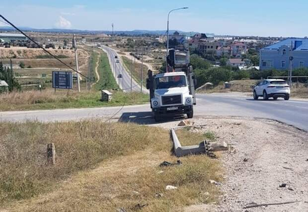 ДТП оставило без наружного освещения часть Казачинского шоссе в Севастополе