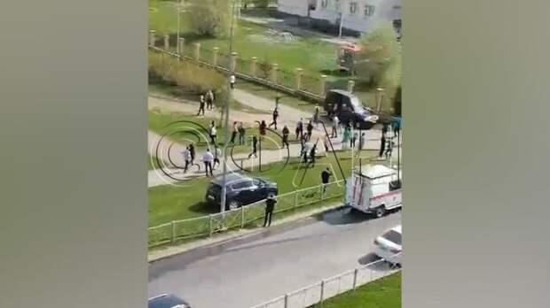 ФАН ведет прямую трансляцию с места событий в казанской школе