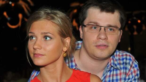 «Это любовь!»: дочь Харламова ударила Асмус по лицу ногой