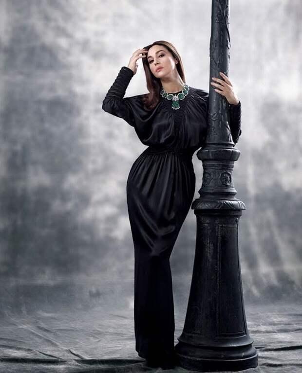 Роковая и неприступная Моника Беллуччи в богемной фотосессии