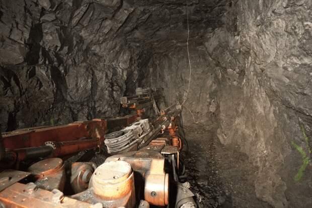 В МЧС заняты спасением горняков на Кузбассе