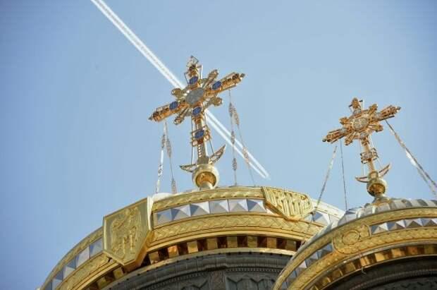 В Главном храме ВС РФ прошла первая пасхальная служба