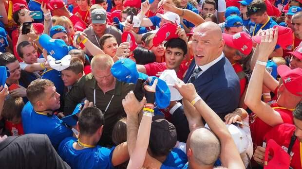 «Почему УЕФА решил убрать только продолжение?» Валуев — о лозунге «Слава Украине! Героям слава!» на форме сборной