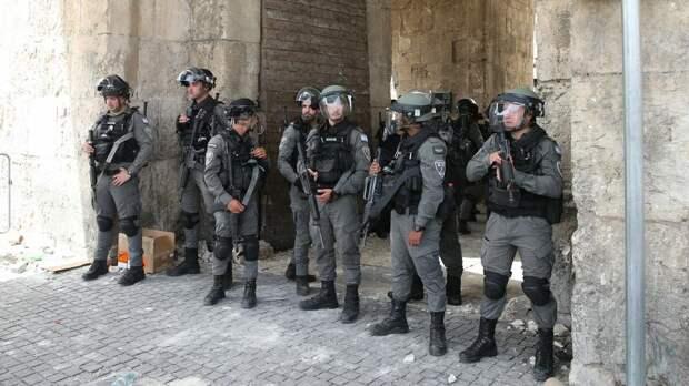 Dunya Al Watan: силовики уходят из мечети Аль-Акса после ультиматума