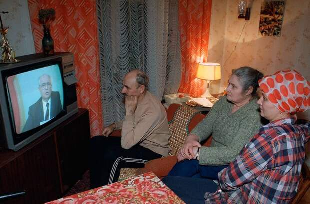 1991 декабрь 25 Горбачев уходит в отставку  Сергей Kharpukhin.jpg