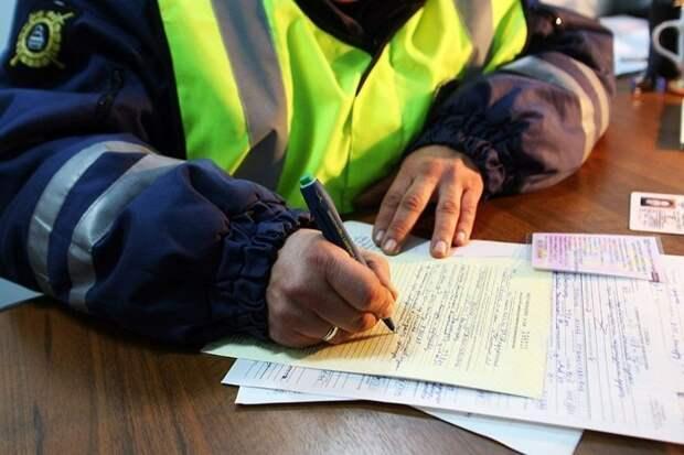 6. Тысячи россиян лишатся водительских прав 1 января, 2018, ynews, бензин, деньги, дети, закон, новый год