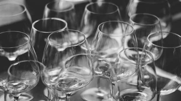 Нарколог заявил о вреде для организма даже малых доз спиртного