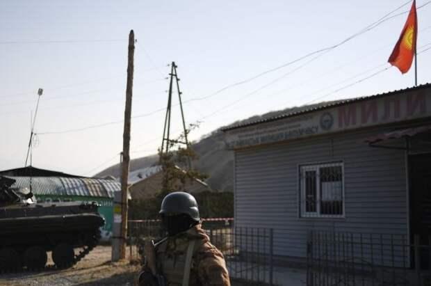 На границе Киргизии и Таджикистана военные устроили перестрелку