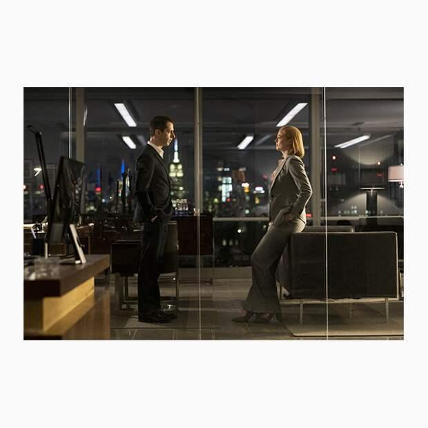 Разбираем респектабельный офисный стиль из сериала «Наследники»