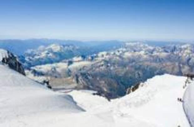 Россиянин установил мировой рекорд по восхождению на Эльбрус