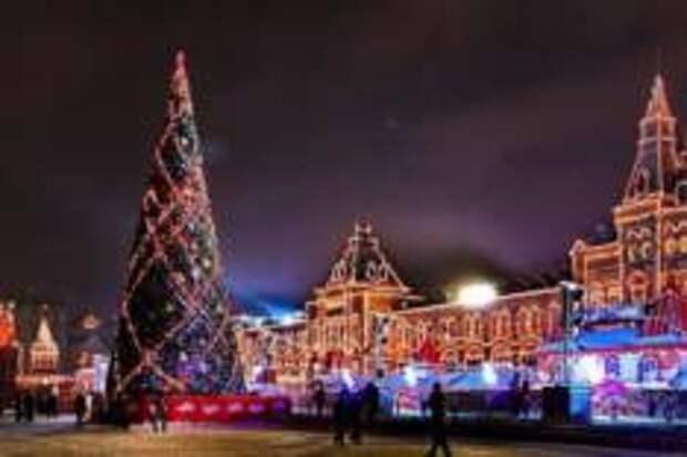 Зажгут ли огни новогодние ёлки в Москве?