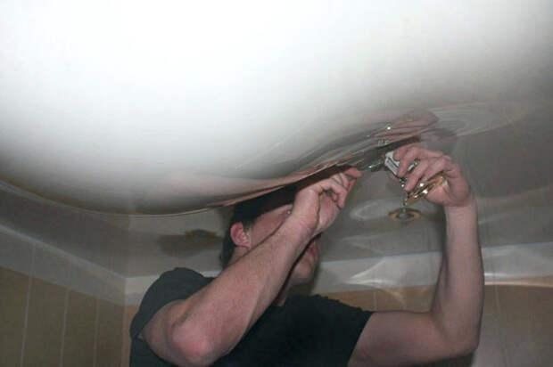 В каких ситуациях лучше отказаться от установки натяжных потолков
