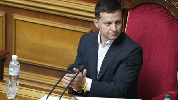 Зеленский внёс в Раду законопроект о сокращении числа депутатов