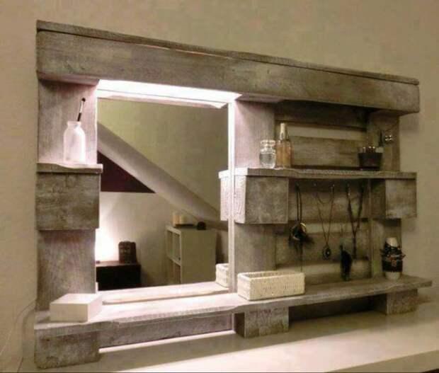 Красивое зеркало и полочки в придачу. /Фото: adrenov.be