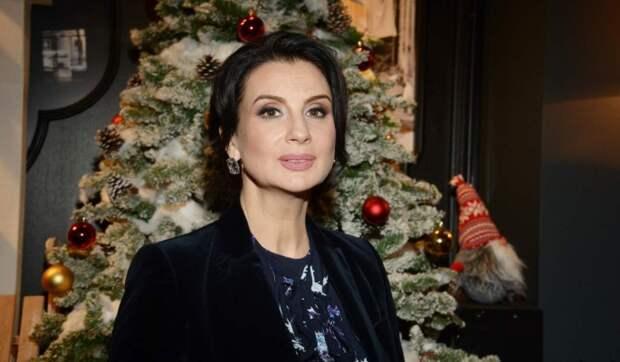 Преобразившуюся Екатерина Стриженову поклонники сравнили со школьницей