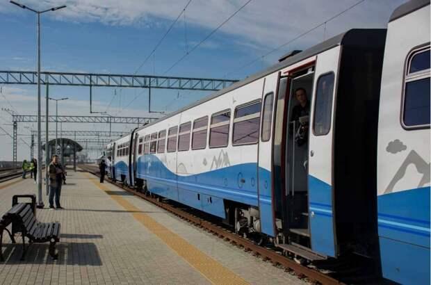 По новым железнодорожным маршрутам в Крыму пустят 9 пригородных поездов