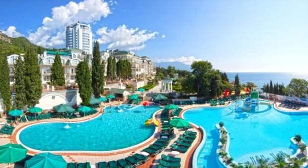 В крымских отелях невозможно забронировать номер