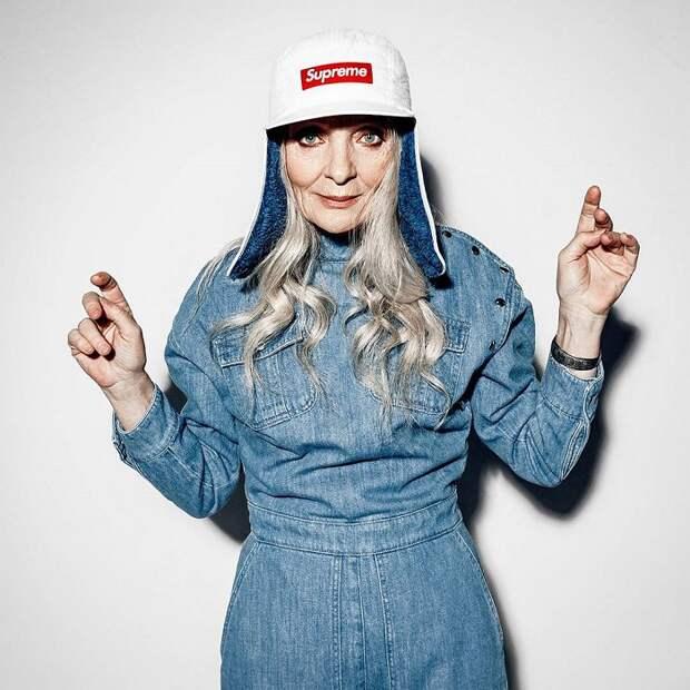 Валентина снимается для журналов мод, рекламных роликов и участвует в различных фотопроектах.
