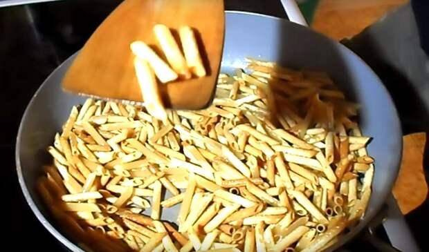 жареные макароны калорийность