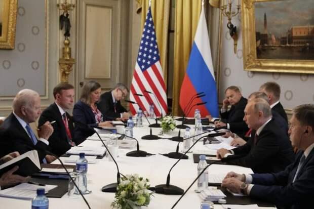СМИ: Путин и Байден обсудили использование баз России в Средней Азии