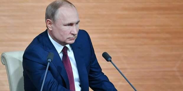 В Кремле раскрыли детали разговора Путина, Меркель и Макрона
