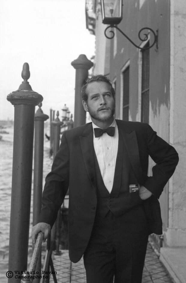 Редкие фотографии известных людей, отдыхающих в Венеции в 1950-60-е годы 3