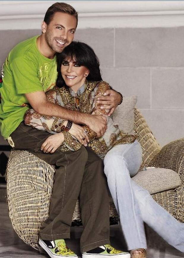 Вероника Кастро с сыном Кристианом
