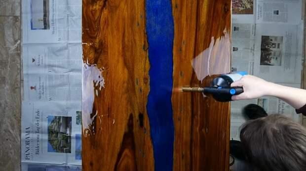 Вот так обычный деревянный стол становится необыкновенным