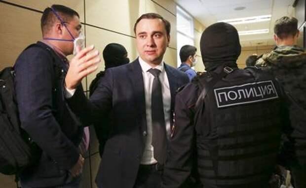 На фото: фиректор Фонда борьбы с коррупцией* Алексея Навального Иван Жданов