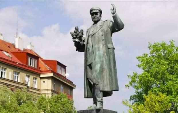 Памятник без маски, чиновники без лица