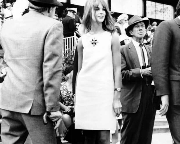 Jean-Shrimpton_Melbourne-Cup_19651-2xtbv4blgbmllhmjlfe496.jpg
