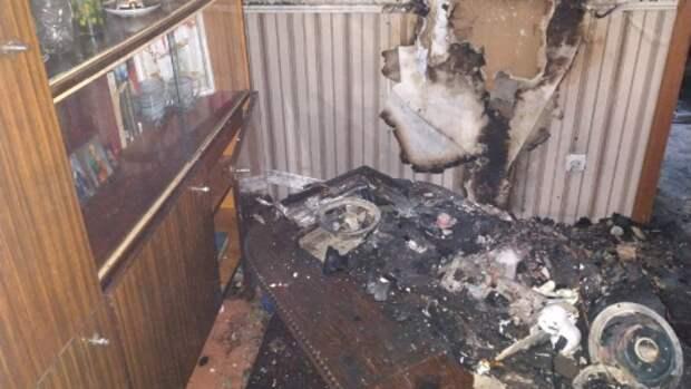 В Симферополе вытащили мужчину из горящей квартиры